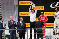 Podium: Second place Sebastian Vettel, Ferrari, Race winner Third place Lewis Hamilton, Mercedes AMG