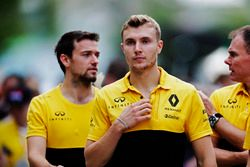 Jolyon Palmer, Renault Sport F1 Team, Sergey Sirotkin, testcoureur, Renault Sport F1 Team