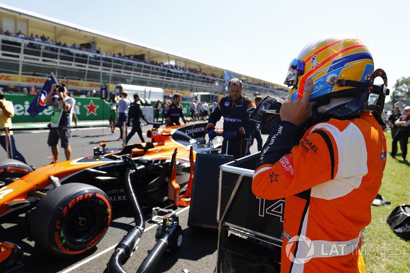 Fernando Alonso, McLaren MCL32 listo