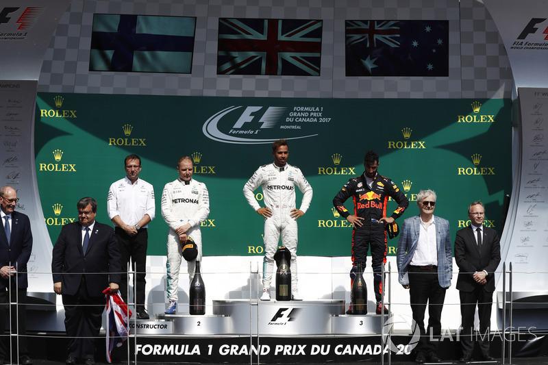 Lewis Hamilton dominou o GP do Canadá, de ponta a ponta, em dobradinha da Mercedes. Daniel Ricciardo foi o terceiro colocado.