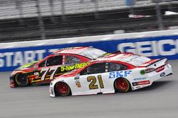 Erik Jones, Furniture Row Racing Toyota, Ryan Blaney, Wood Brothers Racing Ford