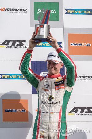 Podio: il terzo classificato Maximilian Günther, Prema Powerteam, Dallara F317 - Mercedes-Benz