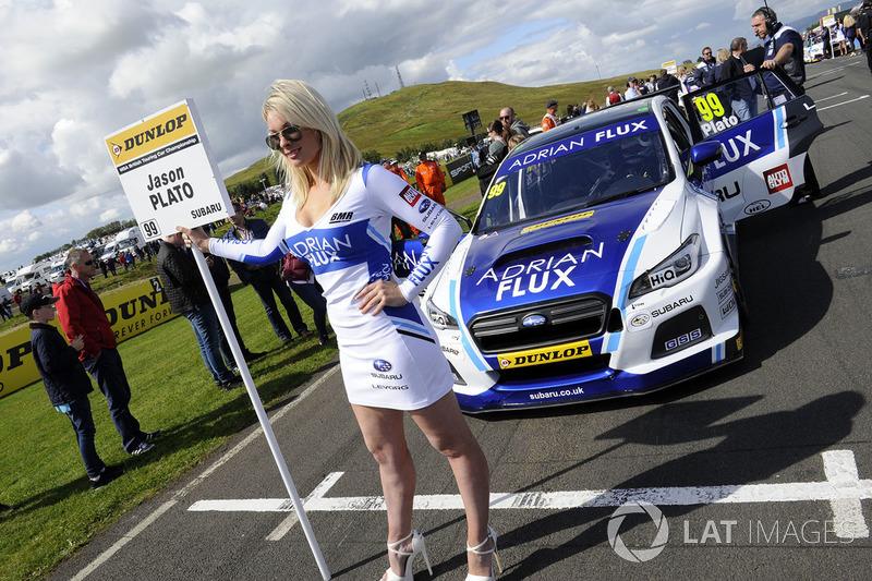 Gridgirl für Jason Plato, Team BMR Subaru Levorg