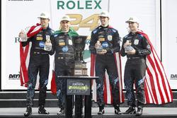 Podium: ganadores, Ricky Taylor, Jordan Taylor, Max Angelelli, Jeff Gordon, Wayne Taylor Racing