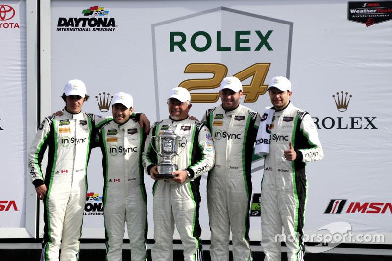 Winnaar GTD: #28 Alegra Motorsports Porsche 911 GT3 R: Daniel Morad, Jesse Lazare, Carlos de Quesada, Michael de Quesada, Michael Christensen