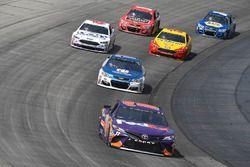 Denny Hamlin, Joe Gibbs Racing Toyota, Dale Earnhardt Jr., Hendrick Motorsports Chevrolet, Trevor Ba
