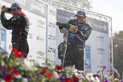 Podium: race winner Graham Rahal, Rahal Letterman Lanigan Racing Honda, second place Josef Newgarden