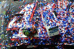 Kurt Busch, Stewart-Haas Racing Ford, Monster