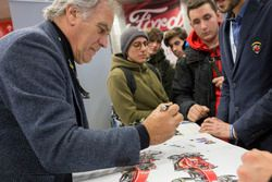 Giorgio Piola signs autographs for the fans