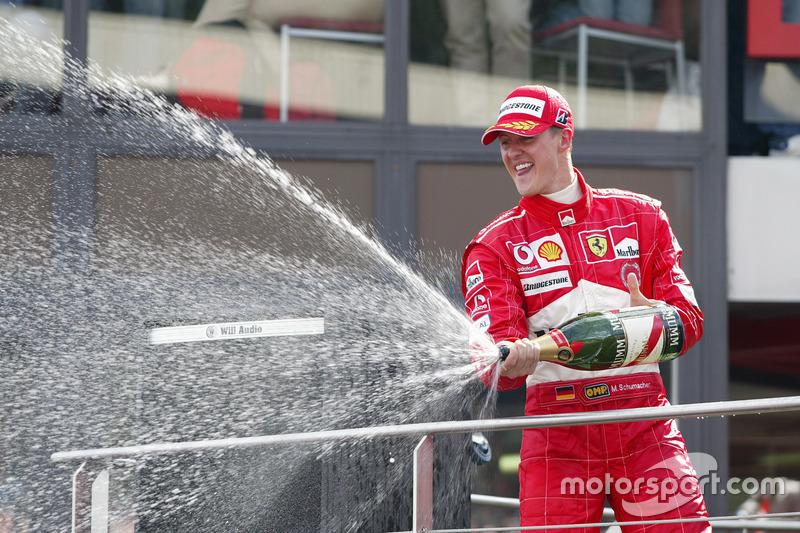 Михаэль Шумахер после осечки в Монако выиграл семь следующих гонок подряд и досрочно стал чемпионом мира, завоевав свой седьмой и последний титул
