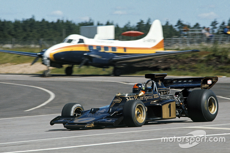 Emerson Fittipaldi, Lotus 72E Ford