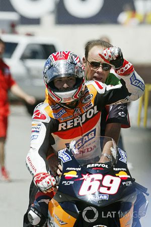 Nicky Hayden, Repsol Honda Team celebrate