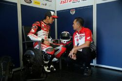 Andi Gilang dan Anggono Iriawan, Senior Manager Safety Riding & Motor Sport PT Astra Honda Motor