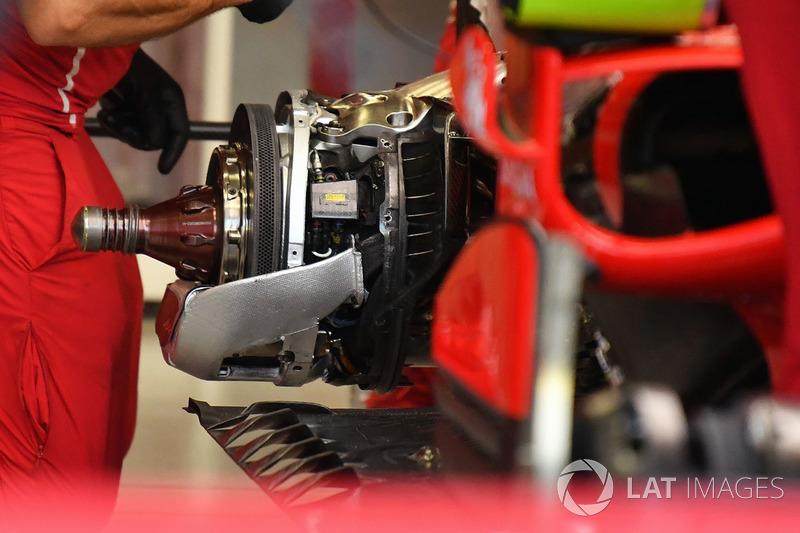 Ferrari SF70H, freno posteriore e mozzo