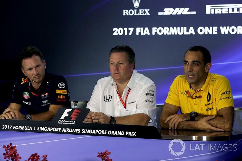 Director de Red Bull Christian Horner, Director Ejecutivo de McLaren Zak Brown y Cyril Abiteboul, Director de general de Renault Sport F1 en la Conferencia de prensa
