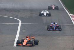 Фернандо Алонсо, McLaren MCL32, Даниил Квят, Scuderia Toro Rosso STR12, Фелипе Масса, Williams FW40