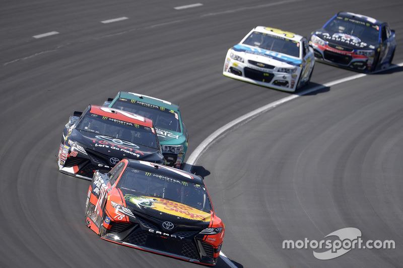 Martin Truex Jr., Furniture Row Racing, Toyota; Matt Kenseth, Joe Gibbs Racing, Toyota