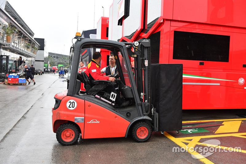 Погрузчик Ferrari