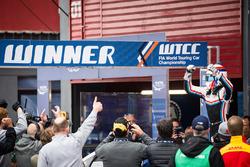 Il vincitore Yann Ehrlacher, RC Motorsport Lada Vesta
