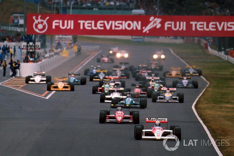 Départ : Alain Prost, McLaren MP4/4 mène