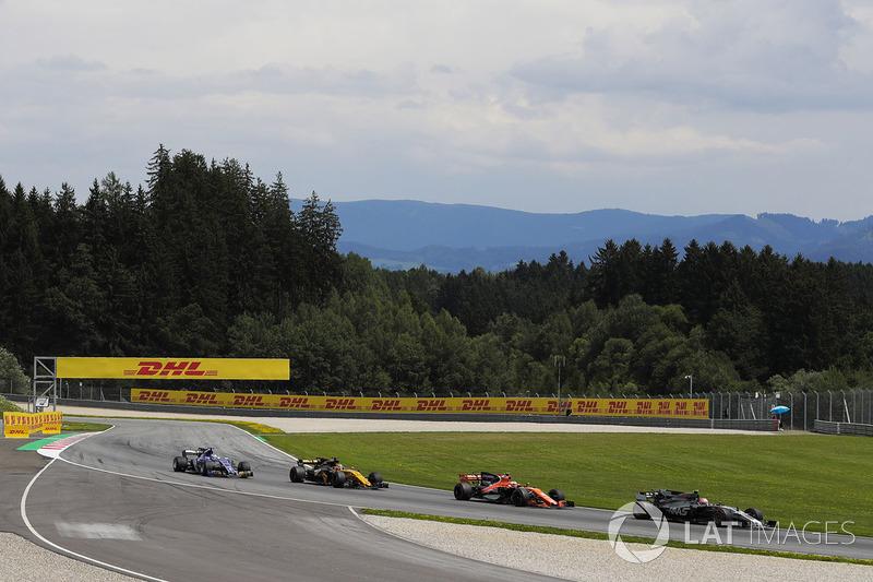 Кевін Магнуссен, Haas F1 Team VF-17, Стоффель Вандорн, McLaren MCL32, Ніко Хюлькенберг, Renault Sport F1 Team RS17