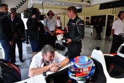 Paul Stoddart, Paul di Resta, F1 Experiences coche de 2 plazas