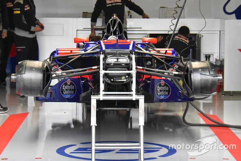 Scuderia Toro Rosso STR12 front
