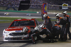 Ryan Blaney, Wood Brothers Racing Ford pit stop