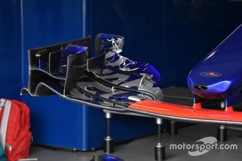 Scuderia Toro Rosso STR12, ala anteriore