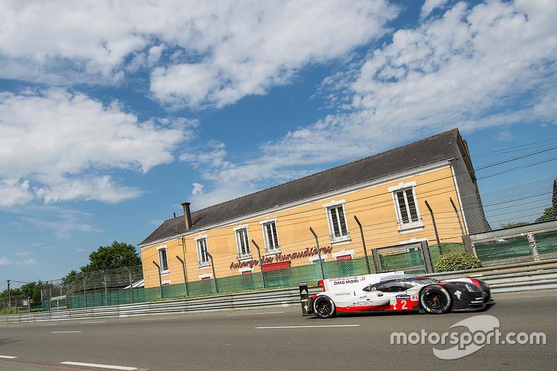 18. #2 Porsche Team Porsche 919 Hybrid: Timo Bernhard, Earl Bamber, Brendon Hartley