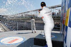 Alberto Cerqui, Simone Iaquinta e Tobia Zarpellon festeggiano sul podio di Gara 2