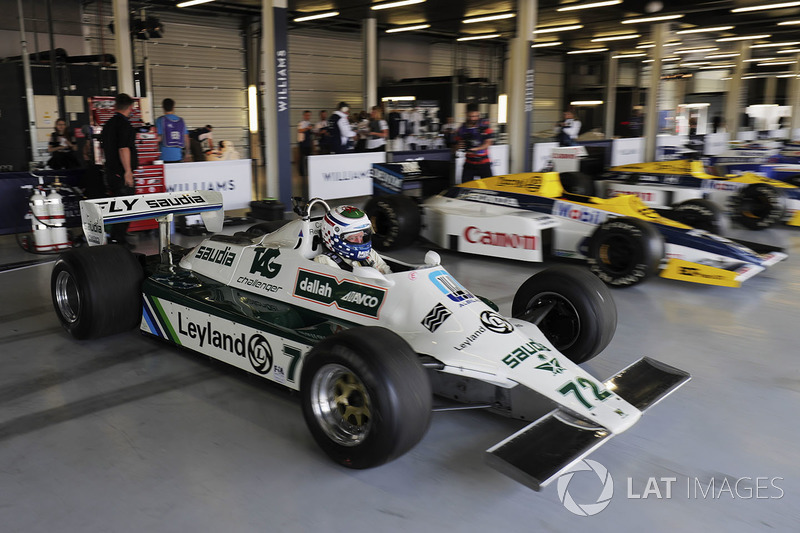 Un Carlos Reutemann Williams FW07b en demostración