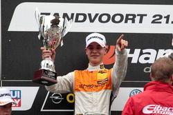 Podium: 2. Sheldon van der Linde, Prosport Performance, Audi RS3 LMS