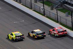 Brandon Jones, Richard Childress Racing Chevrolet, Jeb Burton, JGL Racing Toyota, Ross Chastain, JD