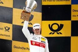 Podio: segundo lugar Robert Wickens, Mercedes-AMG Team HWA, Mercedes-AMG C63 DTM
