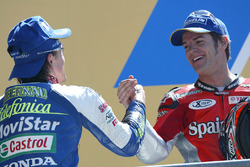 Podium: Sete Gibernau, Telefonica Movistar Honda MotoGP, Carlos Checa, Fortuna Yamaha