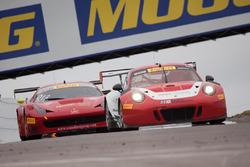 #58 Wright Motorsports Porsche 911 GT3 R: Patrick Long, Joerg Bergmeister, #013 R. Ferri Motorsport