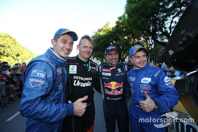Gerard De Rooy, Team de Rooy; Stéphane Peterhansel; Peugeot Sport y Dmitry Sotnikov con Eduard Nikol