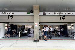 Williams FW40, Auts von Lance Stroll und Felipe Massa