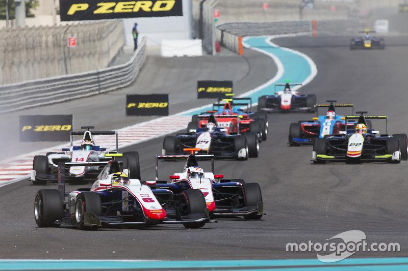 Artur Janosz, Trident leads Giuliano Alesi, Trident