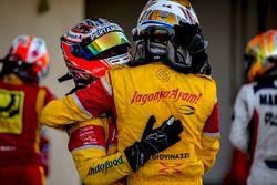 GP2 Series vicekampioen Antonio Giovinazzi, PREMA Racing en Mitch Evans, Pertamina Campos Racing