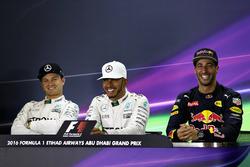 Conférence de presse : Lewis Hamilton, Mercedes AMG F1, le deuxième, Nico Rosberg, Mercedes AMG F1, le troisième, Daniel Ricciardo, Red Bull Racing