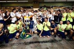 Das Team verabschiedet sich von Felipe Massa, Williams, nach dem Rennen