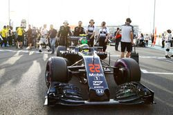 Jenson Button, McLaren arrives on the grid