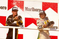 Podium : le vainqueur Nelson Piquet, Williams Honda, le second Ayrton Senna, Team Lotus