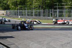 Jake Dennis, Carlin, Dallara F317 - Volkswagen va largo