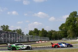 #72 SMP Racing, Ferrari 488 GT3: Victor Shaytar, Davide Rigon, Miguel Molina, #7 Bentley Team M-Sport, Bentley Continental GT3: Steven Kane, Guy Smith, Oliver Jarvis