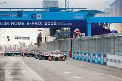 Felix Rosenqvist, Mahindra Racing, Sam Bird, DS Virgin Racing, Mitch Evans, Jaguar Racing, mènent le ePrix