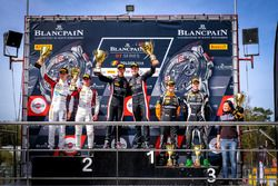 Podio: ganador de la carrera #66 Attempto Racing Audi R8 LMS: Steijn Schothorst, Kelvin van der Linde, segundo lugar #88 Akka ASP Team Mercedes-AMG GT3: Raffaele Marciello, Michael Meadows, tercer lugar #19 GRT Grasser Racing Team Lamborghini Huracan GT3: Ezequiel Perez Companc, Andrea Caldarelli