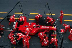 Michael Schumacher, Ferrari F300 maakt een pitstop